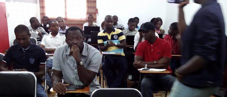Article : Abidjan: des jeunes formés au blogging